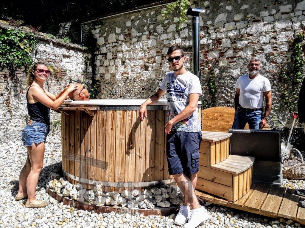 Fiberglass outdoor jacuzzi hot tub France (2)